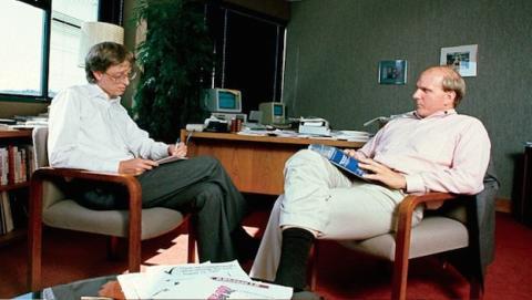 Bill Gates y Steve Ballmer en 1985 (Foto Microsoft)