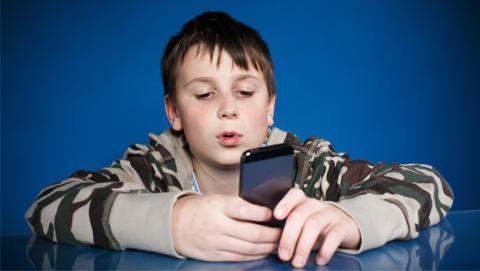Móvil y tablet, ¿perjudiciales para la vista de los niños?