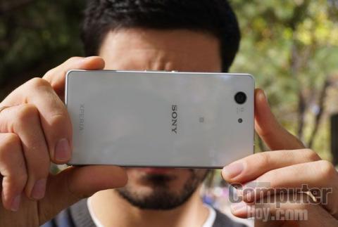 Sony Xperia Z3 Compact haciendo foto