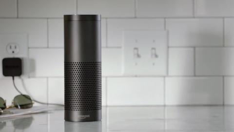 Nuevo altavoz Echo, escucha y responde a tus comandos