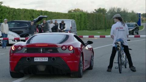 "Una bicicleta ""cohete"" gana a un Ferrari 430 Scuderia"
