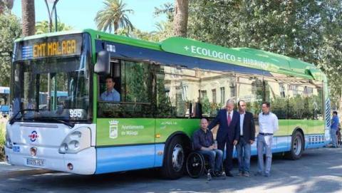 Autobuses urbanos de Málaga incorporarán cargadores USB para recargar el smartphone o la tablet.