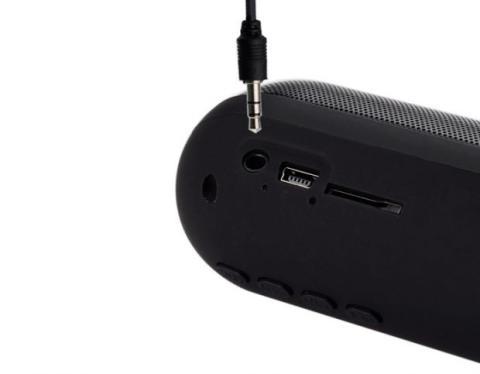 tu altavoz Bluetooth deberá contar con algunas de las conexiones por cable más comunes.