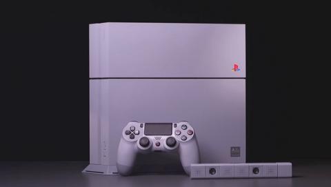 Unboxing de la nostálgica PlayStation 4 20 Aniversario con los colores de la PlayStation original.