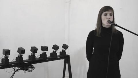 Echoooooooo, el coro de robots cantantes guiados por tu voz.