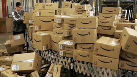 Amazon llega a un acuerdo con Correos por Navidad