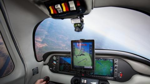 Xavion, la app que aterriza un avión de verdad con un iPad