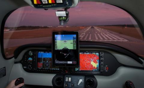 Xavion, una app para iPad que aterriza tu avión