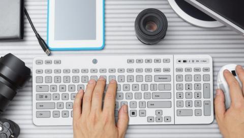 Jaasta, el teclado de tinta electrónica que cambia las teclas según el idioma o el layout.