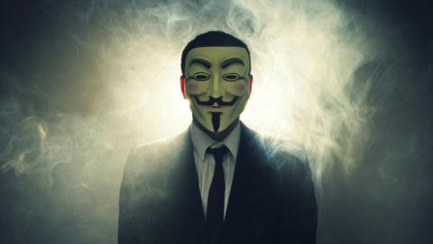 Hackers que dicen pertenecer a Anonymous supuestamente roban 13.000 cuentas de Amazon, PSN, Xbox y otras