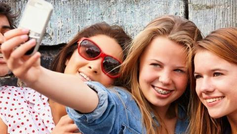 Selfies peligrosos piojos adolescentes