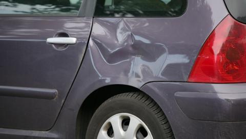 ¿Te has encontrado un golpe en tu coche? Descubre quién fue