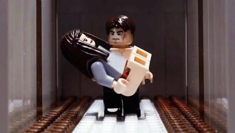 Escena del trailer de 50 sombras de Grey protagonizado por muñecos de Lego
