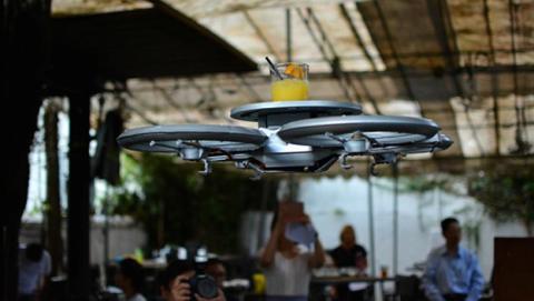 Un restaurante planea sustituir sus camareros por drones