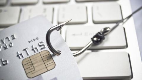 Un ataque de phishing roba datos de clientes del Santander