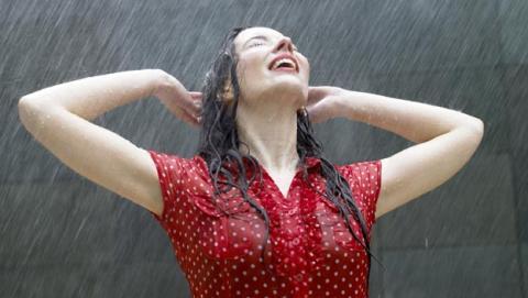 Científicos descubren por qué huele la lluvia