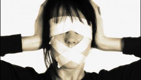 FACUA denuncia la censura de Twitter por suspender cuentas