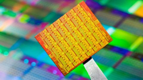 Intel se olvidará del silicio para llegar a chips de 7 nm