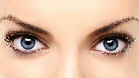 ya es posible cambiar el color de tus ojos de marrón a azul