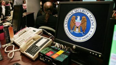 Wikipedia y el iPhone se enfrentan a la NSA y la CIA.