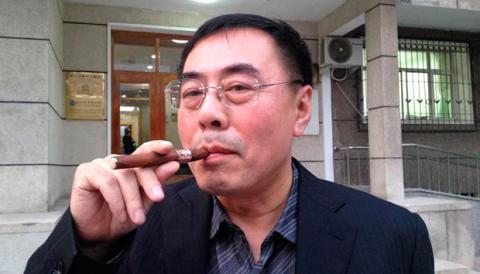 Hon Lik. Impulsor del actual cigarrillo electrónico