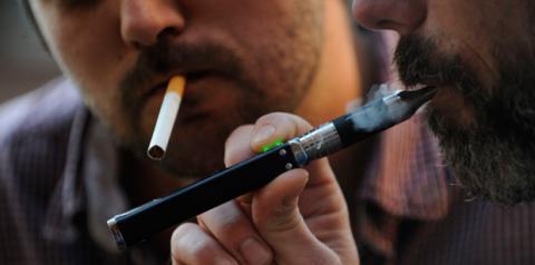 la simple aspiración para obtener el vapor ya es perjudicial para el sistema respiratorio