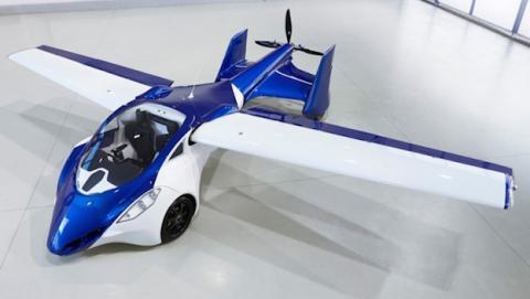 El coche volador llegaría en 2017