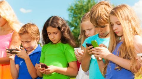 Protege a tus hijos del smartphone
