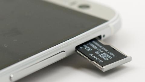 Samsung quiere eliminar las tarjetas microSD en los móviles.