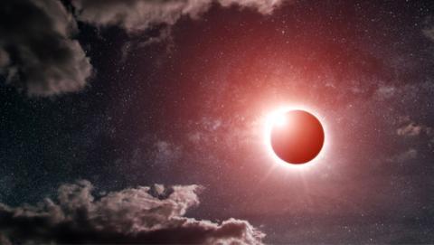 ¡Cuidado!, un selfie con el eclipse puede causar ceguera