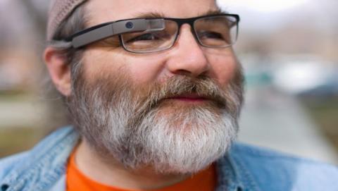 Las Google Glass viven aún... de momento