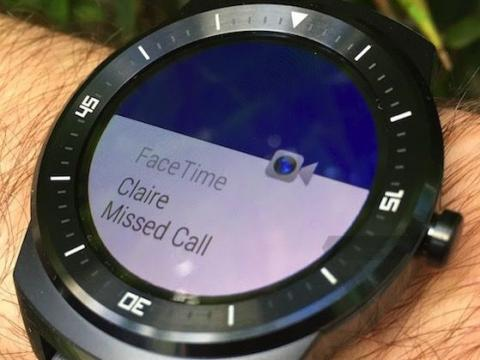 LG G Watch R con notificación de FaceTime de iOS