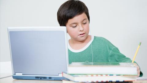 niños españoles ordenador