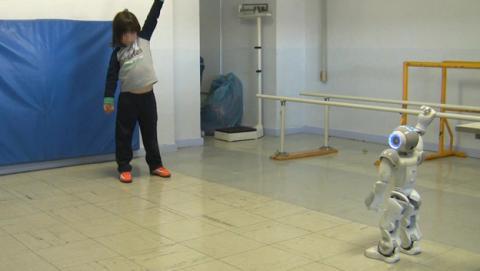 Crean un robot terapeuta para la rehabilitación infantil