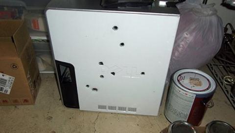 Dispara ocho tiros a su PC por una Pantalla Azul de la Muerte.