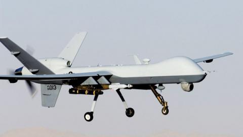 Un drone de la CIA mata a dos rehenes civiles de Al Qaeda.