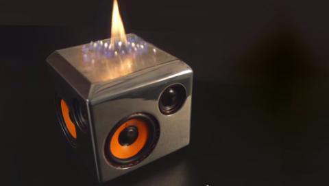 Sound Torch: el altavoz que arde al ritmo de la música