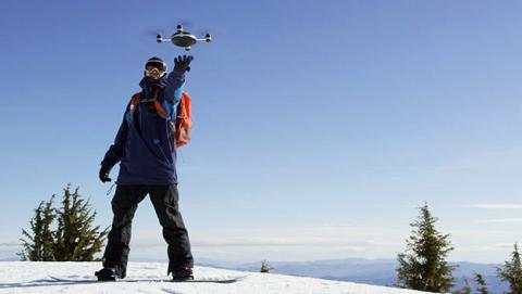 Este drone te seguirá allí donde vayas una vez lo eches a volar