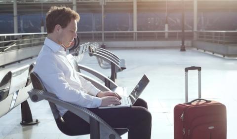 AENA anuncia Wifi gratis en sus aeropuertos para finales de año