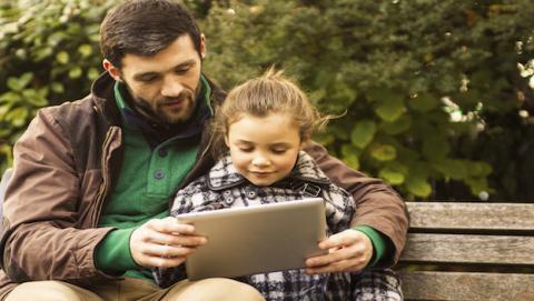 Los expertos de la Policía Nacional proponen un uso racional de la tecnología en la familia