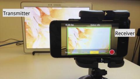 Pantallas y cámaras que se comunican sin molestar al usuario