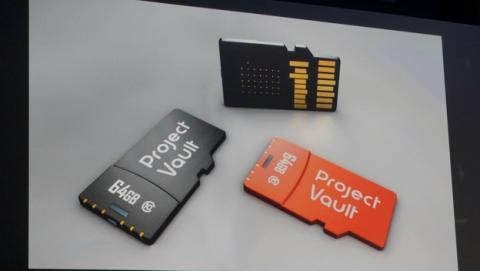 Adiós a las contraseñas con Project Vault, la tarjeta microSD de Google