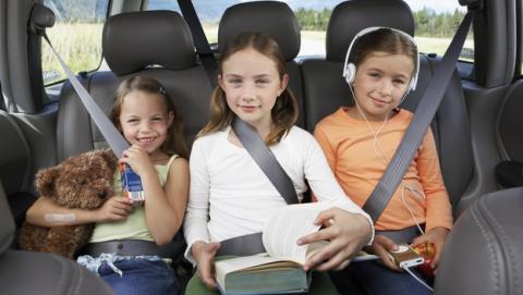 Los niños que viajan en el asiento del medio tendrán más éxito.