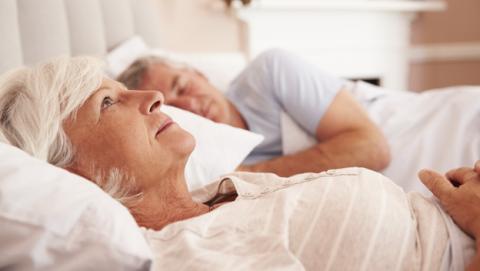 dormir mal aumenta riesgo Alzheimer