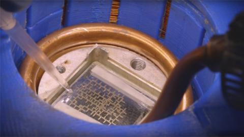 Desarrollan un ordenador que funciona con gotas de agua