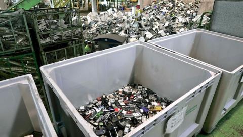 Planta de reciclado de teléfonos móviles