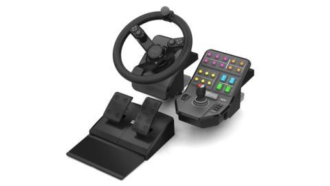 El primer volante de tractores y grúas para PC es de Saitek.
