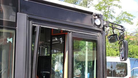 Instalan balizas en los autobuses para guiar a los ciegos