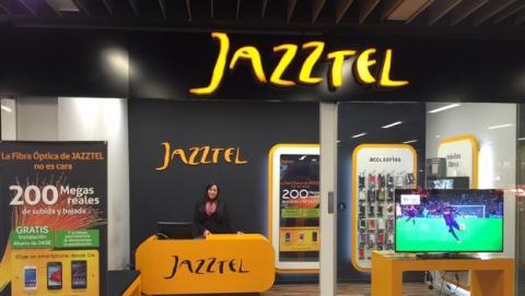Orange compra oficialmente Jazztel por 3360 millones de euros.