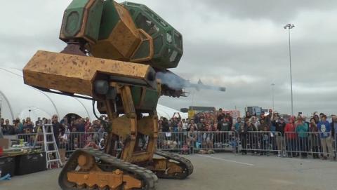 MegaBots contra Kuratas. Robots de 6 metros pilotados por humanos lucharán a muerte.